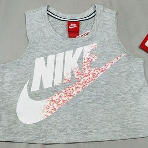 🆕 Nike crop top